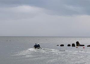 北海道伊達市レンタル釣り船、ヒラメ・カレイ・シャケ釣りの黄金マリン、出航シーン